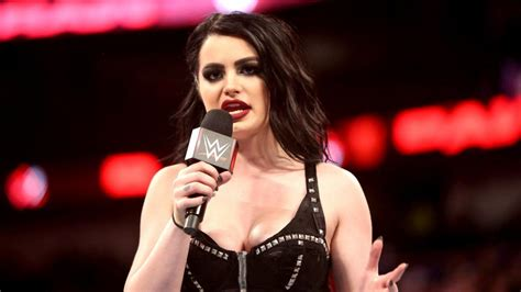 Paige gives an emotional retirement speech: Raw, April 9