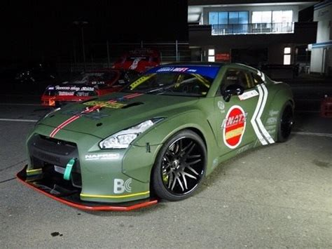 Widebody Nissan GT-R Does a Mitsubishi Zero Impersonation
