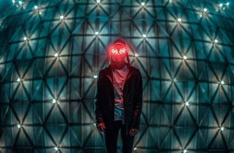 """REZZ Gets Experimental on the Uneven """"Nightmare on REZZ"""